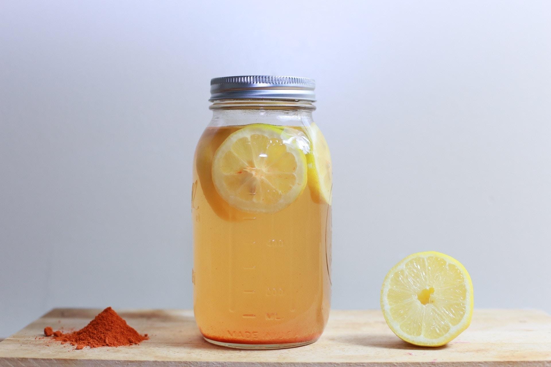 Deze 6 drankjes zorgen voor een platte buik en zorgen ervoor dat je lekker de dag door kan. Deze 6 drankjes zijn gezond voor je lichaam en jij wilt ze allemaal proberen