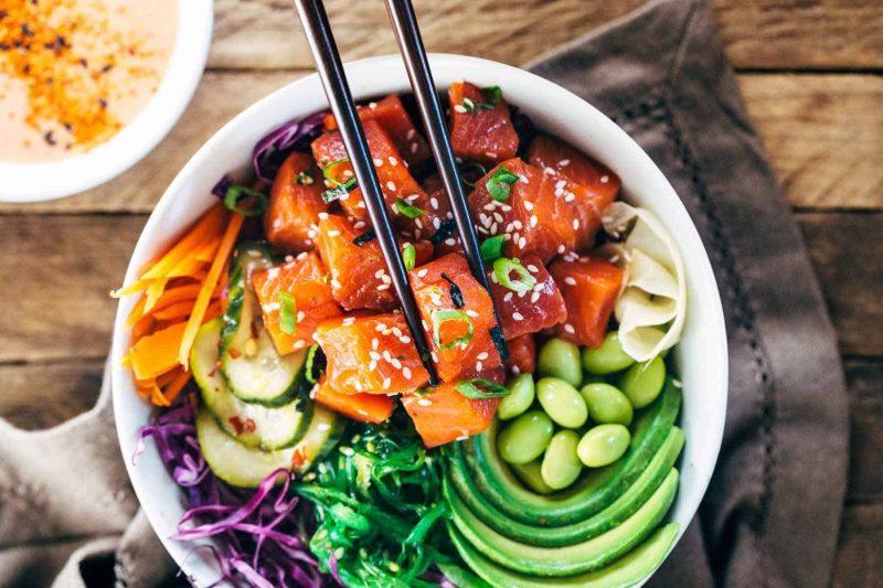 poke bowl recepten - gezonde recepten - poke bowl met zalm