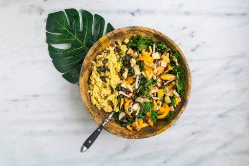 Weekmenu met gezonde recepten. Vind hier een makkelijk overzicht met foto's en linkjes naar 7 simpele én gezonde recepten voor een kick-ass week! Van recepten met zoete aardappel tot het bereiden van een gezonde pasta met pompoen.