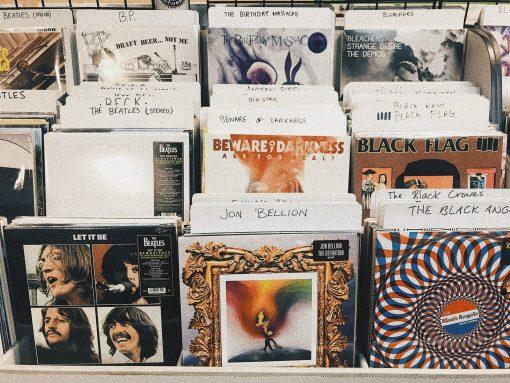 zomer-muziek-hits-2018. Zomer muziek voor op vakantie 2018. Geniet tijdens je vakantie van deze heerlijke zomerlijst met hete hitjes