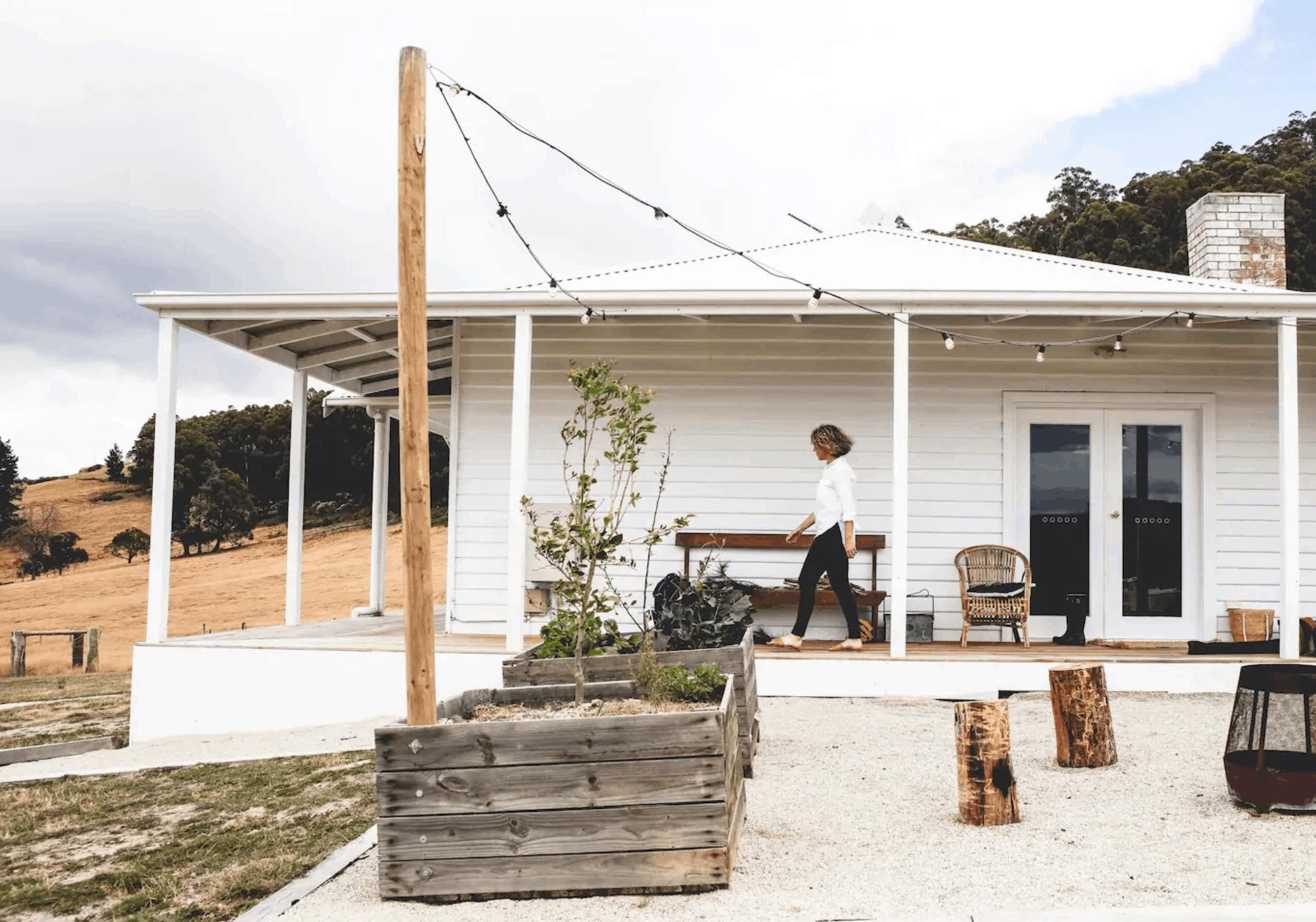 Wijngaarden. Airbnb's. Wijn drinken. Wijnreis. Guesthouse. Travel. Drink. Eat. Wine
