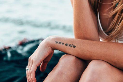 Tattoo shop. Tattoo's zijn van alle tijden, maar toch wordt het steeds normaler om ze te laten zetten. Maar aangezien je levenslangs aan het kunstwerk op je lichaam vastzit, is het een beslissing waar je goed over na moet denken. Én waar je je goed over moet laten adviseren. Dus, ben jij van plan om binnenkort je eerste (of je volgende) tattoo te laten zetten, dan gaat dit artikel goed van pas komen. Hierbij 8 betrouwbare tattoo shops in Amsterdam. Tattoo shops Amsterdam.
