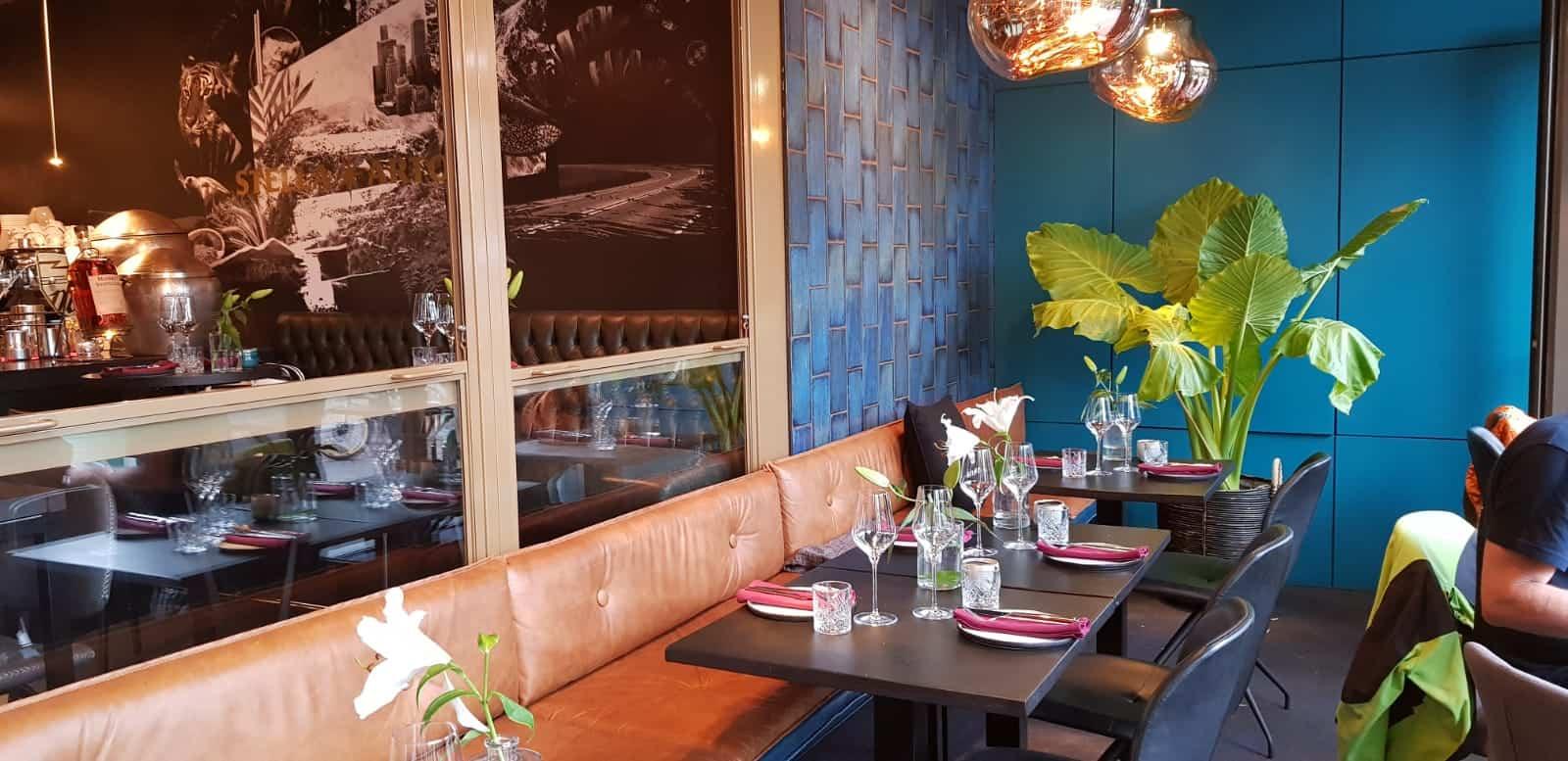 Met de komst van restaurant Nomads in Amsterdam-Oost is het niet meer nodig om reislust en trek voor avontuur te laten knagen. Het gloednieuwe Nomadische concept brengt je van de ene verrassende keuken naar de ander. Ja, iets totaal nieuws in de horeca, en verrassend goed bedacht, vonden wij.Om de zoveel maanden serveren deze Amsterdamse nomaden een compleet andere cuisine.Met als huidige stop: Peru. Restaurant Nomads