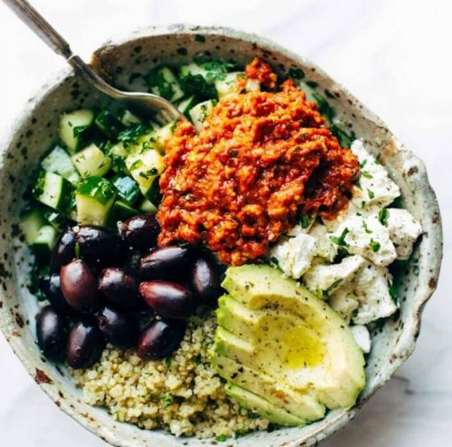 10 x mediterrane recepten. Mediterraanse recepten om thuis te koken. Makkelijke en gezonde maaltijden. Vegetarische recepten. Leef langer door mediterraans te eten. Gezonde recepten. Snelle recepten. Girls Who Magazine. Girls Who Eat. Healthy food. Mediterrane recepten makkelijk