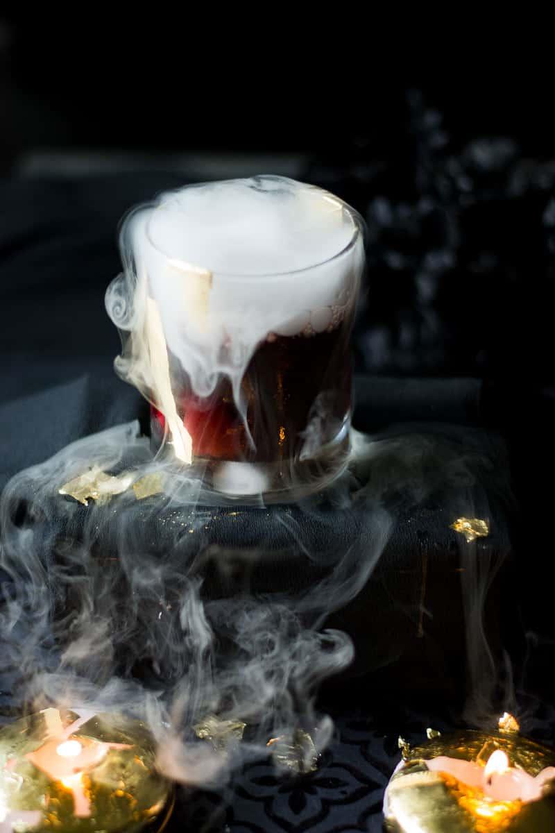 Halloween cocktails. Halloween cocktail recepten. Halloween drankjes alcoholvrij. Thema cocktails. Griezelige cocktails. Cocktail recepten