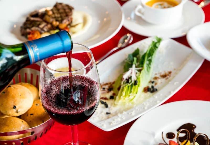 5 x weetjes over wijn. In dit artikel sommen we vijf dingen op die jij waarschijnlijk nog niet wist over jouw favoriete drankje. Wijnweetjes