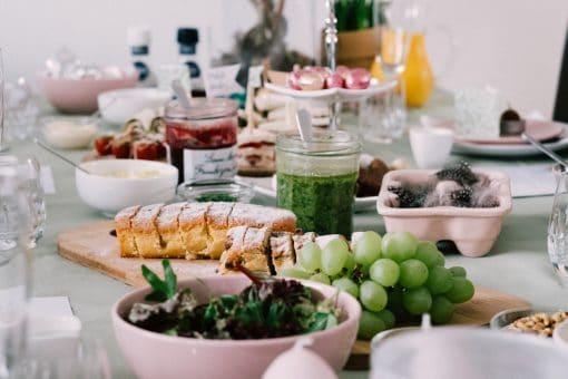 wat te doen met pasen 2020 - paasbrunch 2020 - recepten paasbrunch - paaseieren versieren - pasen thuis vieren - paas tips thuis