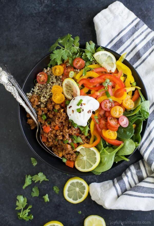 maaltijd salade met quinoa