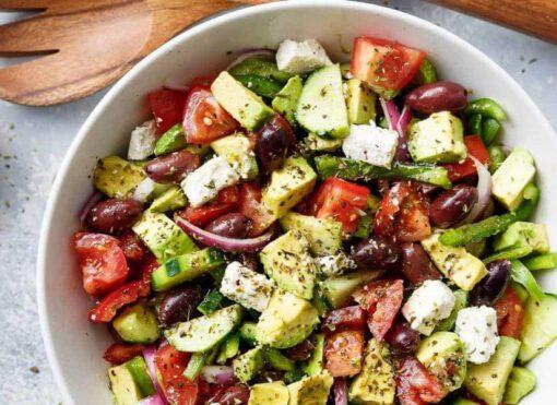 griekse salade recept - salade recepten - salade gerechten - maaltijdsalade - maaltijdsalades - grieks - makkelijke recepten - gezonde gerechten