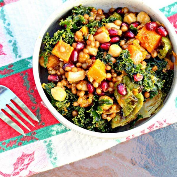 gezonde salade - zelf salade maken - salade recepten - lekkere maaltijdsalades - grote salades - salade recept met kip - salade recept met avocado - sla - maaltijdsla - makkelijke maaltijdsalade - maaltijdsalade kikkererwten