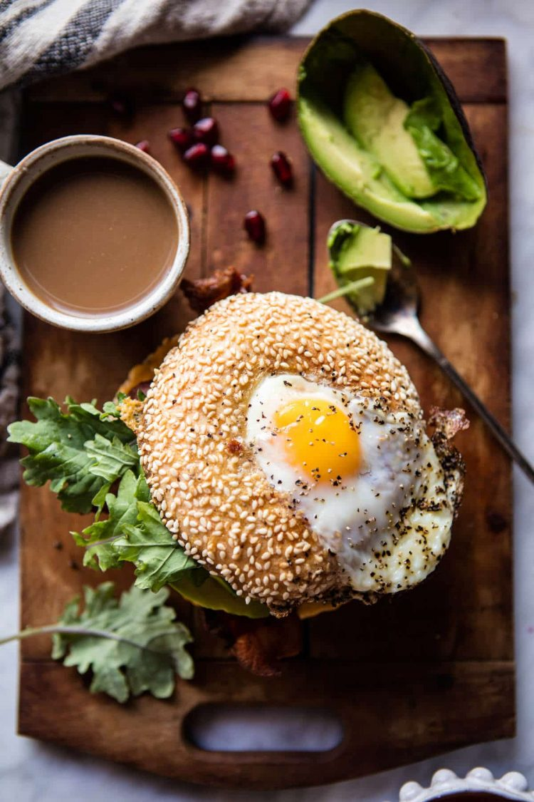 lekkere bagel toppings - bagel recepten - bagel met zalm - bagel met avocado - bagel met cream cheese - gat in bagel - gezonde bagels
