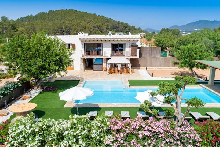 Ibiza villa huren - Airbnb Ibiza villa - overnachten op Ibiza - Airbnbs op Ibiza - airbnb villa Ibiza