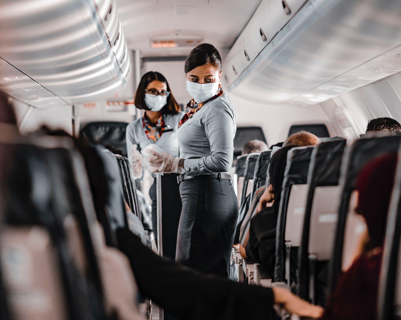 op vakantie tijdens corona - vakantie 2021 boeken - corona maatregelen buitenland - reizen tijdens corona - goedkope spoedtest