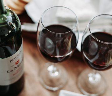 podcasts wijn - wijn podcast - podcast tips - podcast tip - leren over wijn - wijn les - podcast luisteren - podcasts - wijnen - wijn lessen