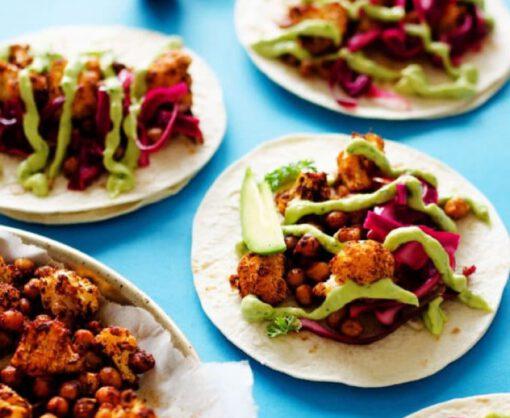 taco recept - geroosterde bloemkool - avocado crème - taco recepten - taco gerechten - vegan taco - taco's maken - taco's vegetarisch