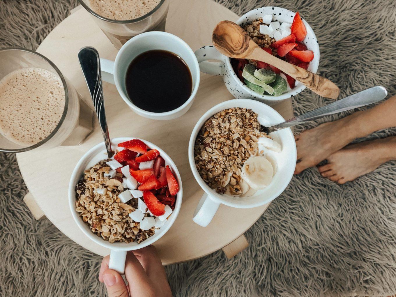 gezonde ontbijt recepten - smoothie bowl - yoghurt bowl