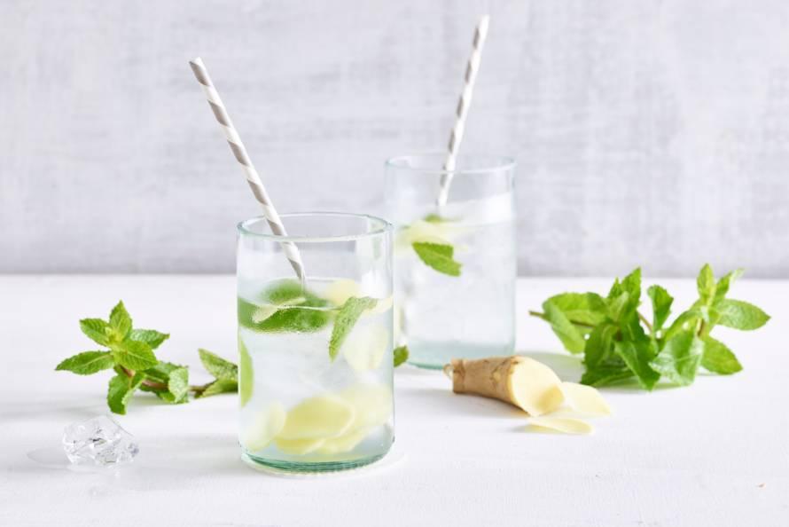 huisgemaakte limonade - limonade maken - zelfgemaakte limonade - home made limonade - gember limonade - citroen limonade