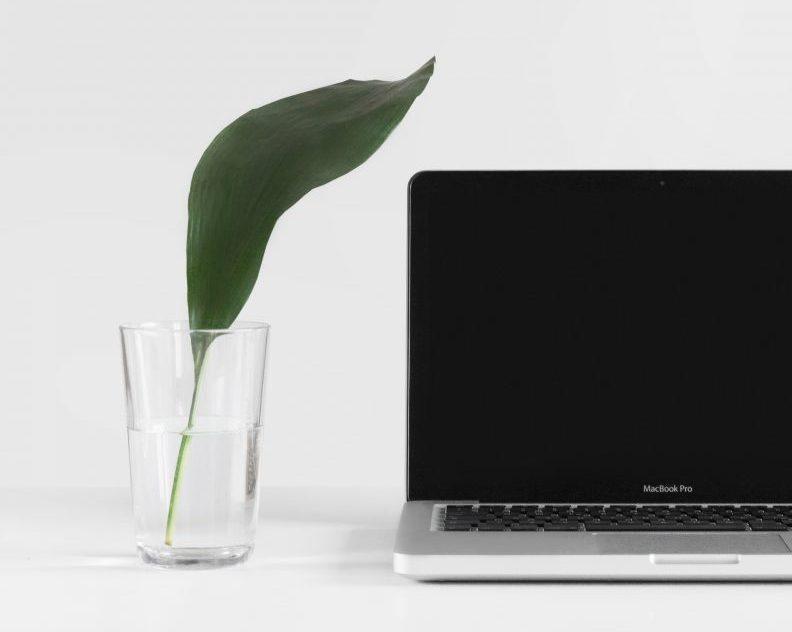 laptop schoonmaken - schoonmaken laptops - schoonmaaktips laptop - hoe maak ik een laptop schoon