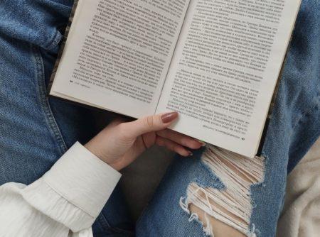 makkelijke wegleesboeken - wegleesboeken - makkelijke boeken - simpele boeken - beginnen met lezen - romans - makkelijke romans - makkelijke literatuur - boeken voor vrouwen - boeken voor beginnende lezers - boeken voor vakantie - boekentips voor vakantie