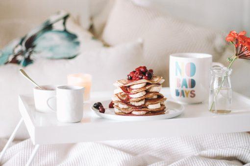 ontbijt op bed - ontbijt recepten - ontbijt gerechten - valentijnsontbijt