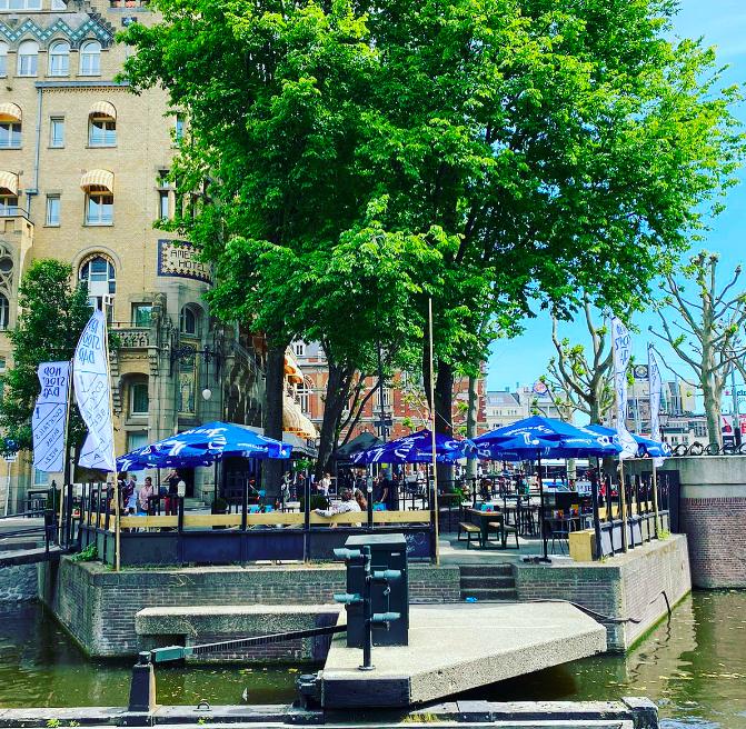 kopstootbar aan het water - pop up terrassen amsterdma - nieuwe terrassen amsterdam