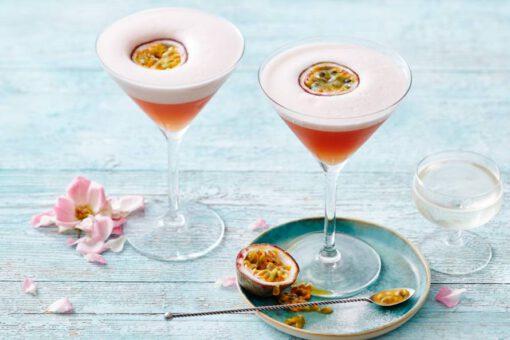 pornstar martini recept - pornstar martini - pornstar martini maken - cocktail recept - cocktail recepten - zomerse recepten - frisse recepten - recept passievrucht - passievruchten