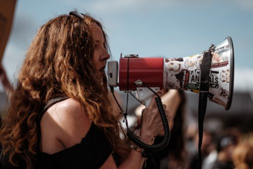 witte wijn emoji - protest - prtesteren