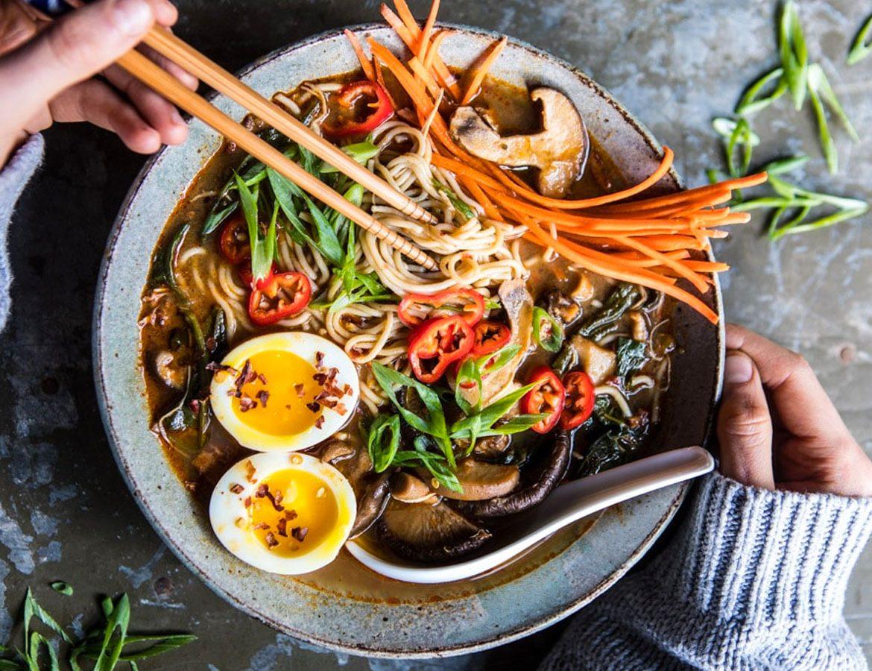 ramen noodles - ramen recept - zelf ramen soep maken - ramen noodle recept - vegetarische ramen soep - ramen met varkensvlees