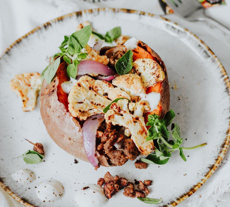 recept gepofte zoete aardappel - gepofte zoete aardappel - zoete aardappel uit de oven - zoete aardappel met pulled oats - zoete aardappel bloemkool recept