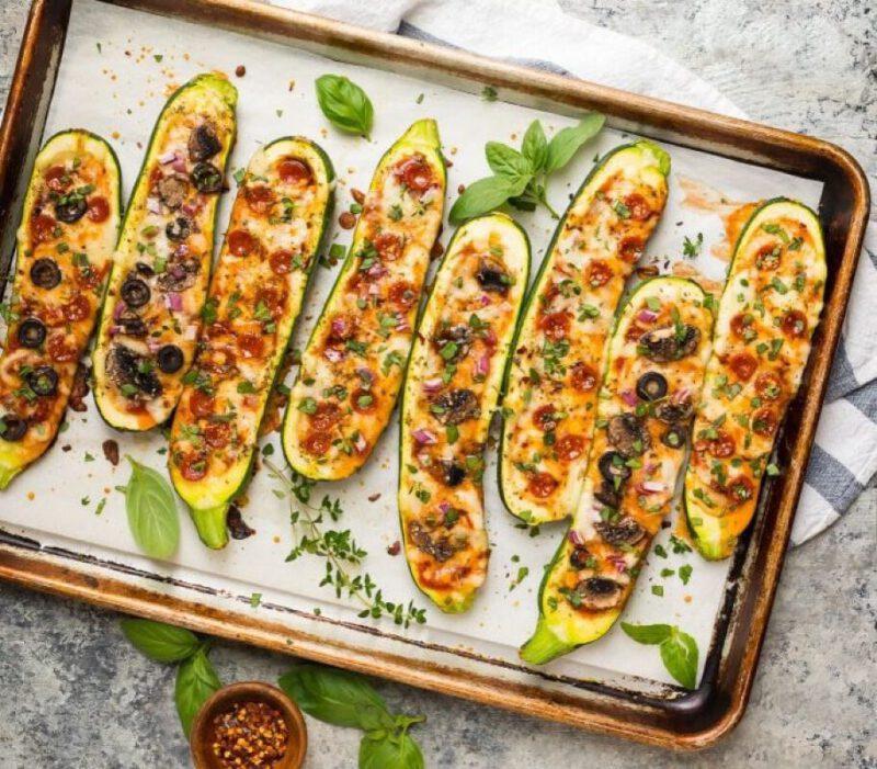 recept gevulde courgette - gevulde courgette maken - gevulde courgette - courgette boten - courgette pizza - courgette pizza's - courgettebootjes