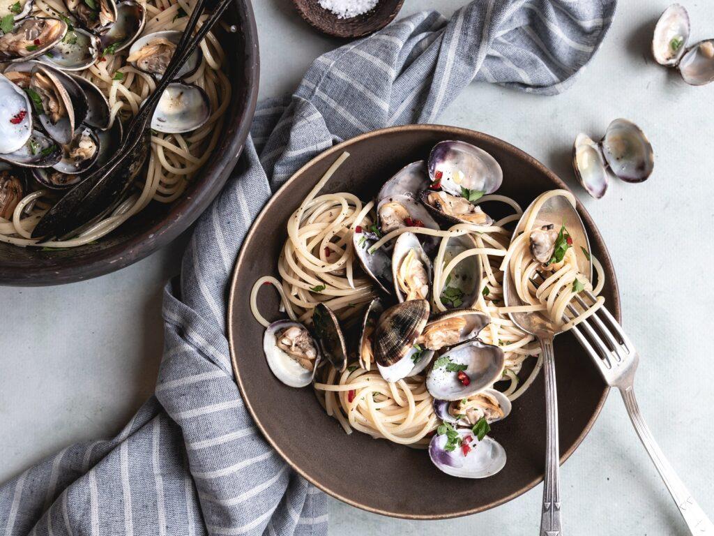 recept spaghetti vongole - spaghetti vongole - hoe maak ik spaghetti vongole - spaghetti recepten - spaghetti maken - spaghetti vongole maken