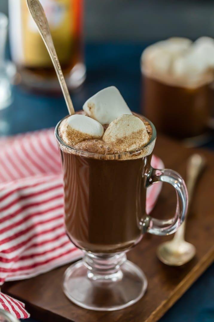 warme chocolademelk recept - warme chocolademelk recepten - warme chocolademelk - warme chocolademelk alcohol - warme chocolademelk rum - warme choco rum - winterse recepten - warme choco - chocolademelk recept