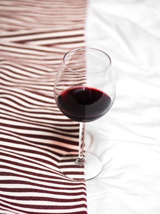 rode wijn lekkerder in winter - rode wijn trends - rode wijn in de zomer - bordeaux wijn