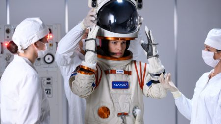 series en films over space - series films space - series films ruimte - series films ruimtevaart - series films in de ruimte - series in de ruimte - films in de ruimte - dag van de ruimtevaart - 12 april dag van de ruimtevaart