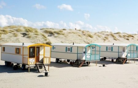 pipowagen aan zee - slapen in een pipowagen -pipowagen in friesland - pipowagen huren Gelderland - familie pipowagen huren -