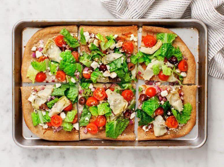 vegetarische recepten - Griekse recepten - Grieks recept - makkelijke recepten - gezonde recepten - flatbread - salade - vega pizza - vega - pizza recepten