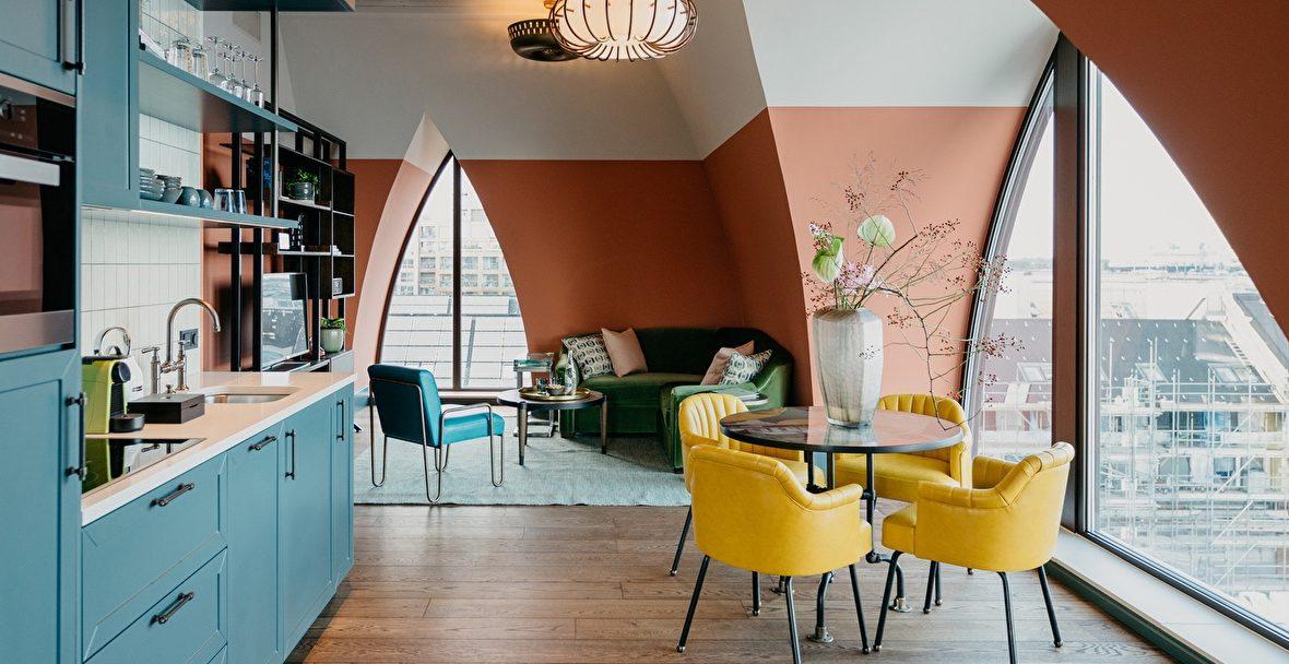 BOAT&CO - BOAT&CO - werkplekken huren // hotelkamers huren //werken in een hotelkamer - hotelkamer huren als kantoor - flexwerkplek huren amsterdam - flexwerken amsterdam