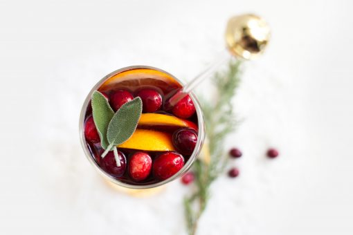 sangria - wintersangria - winter - cocktail - november - december - sangria recept - feestelijke cocktail - sangria fruit - sangria wijn - snelle sangria - winterse punch